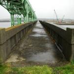 今は無き大河津分水可動堰に架かる橋