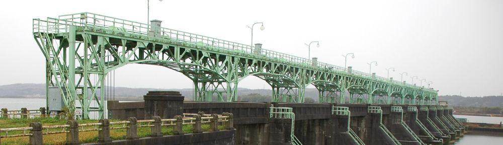 そして現在 今も当時と同じように、信濃川の長閑な風景を見守っている